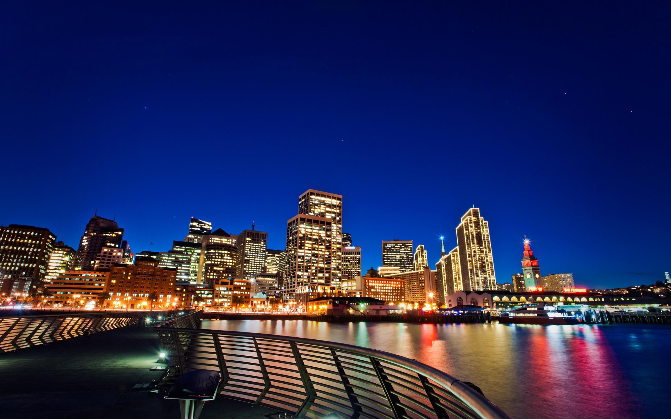 Raccolta di sfondi incantevoli di città metropolitane ...